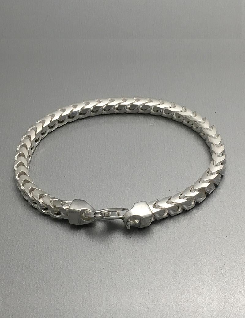 Franco Bracelet  Jewellery House Of Evelyn Piper. Emrald Gemstone. Swarovski Crystal Necklace. Pointer Rings. Ladies Anklets Shop Online